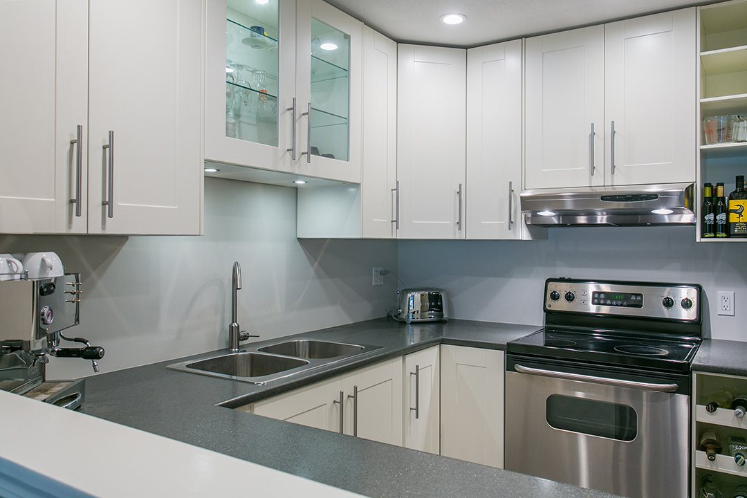 Condo Apartment at 307 1225 MERKLIN STREET, Unit 307, South Surrey White Rock, British Columbia. Image 2