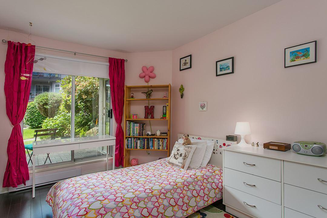 Condo Apartment at 307 1225 MERKLIN STREET, Unit 307, South Surrey White Rock, British Columbia. Image 12
