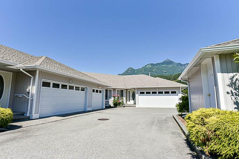 Townhouse at 9 659 DOUGLAS STREET, Unit 9, Hope, British Columbia. Image 2
