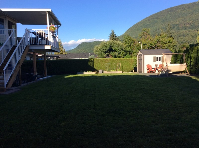 Detached at 42218 CORONA AVENUE, Yarrow, British Columbia. Image 11