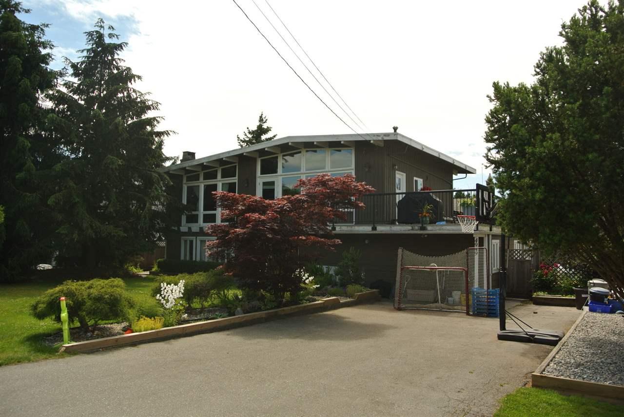 Detached at 4949 58B STREET, Ladner, British Columbia. Image 2