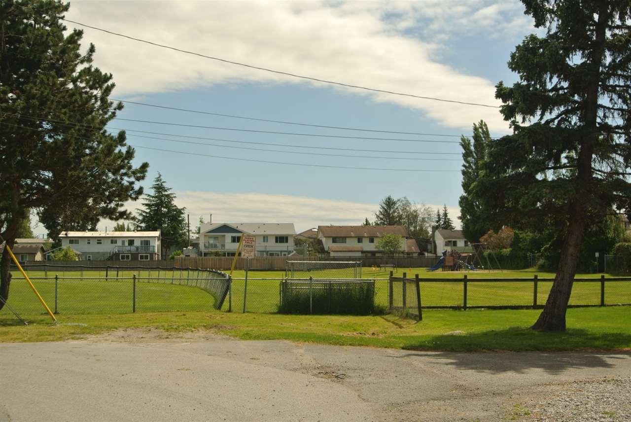 Detached at 4949 58B STREET, Ladner, British Columbia. Image 19