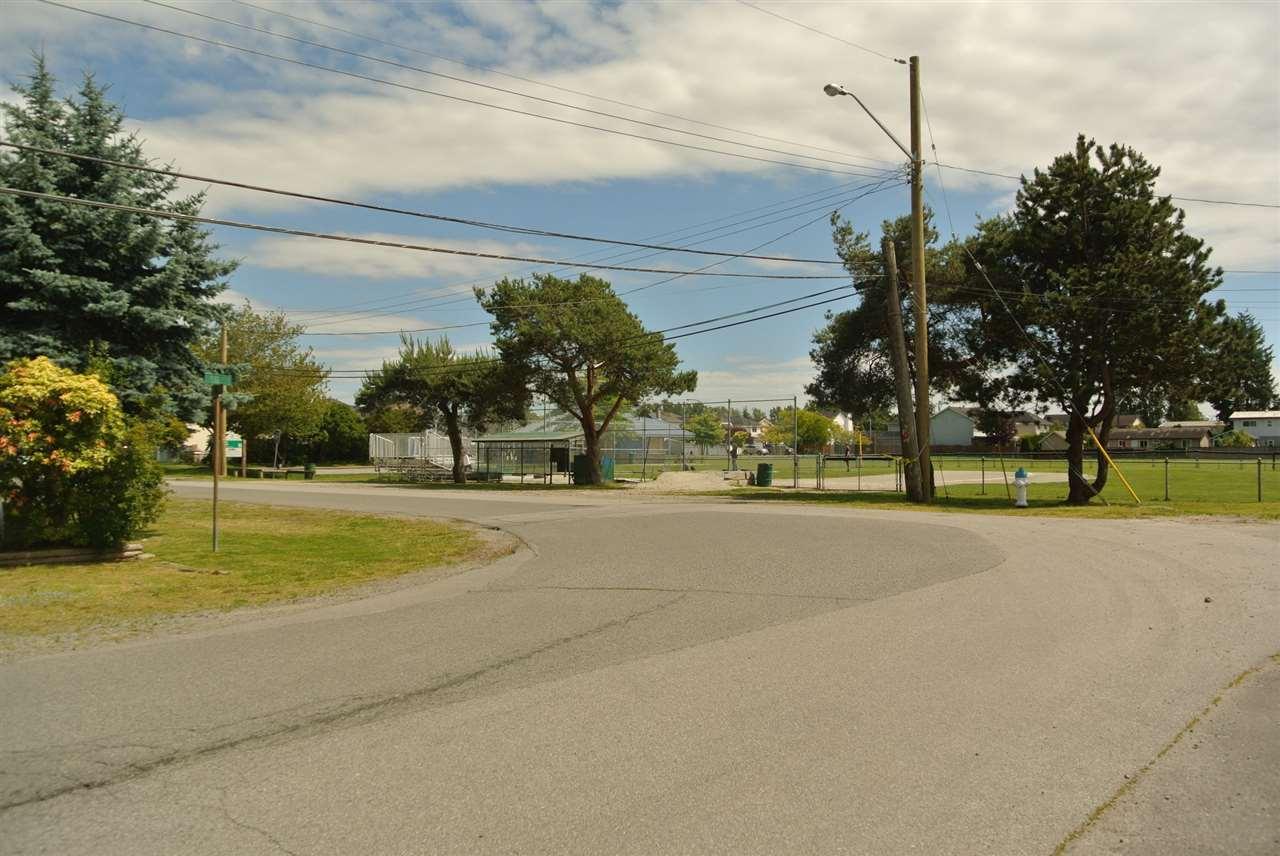Detached at 4949 58B STREET, Ladner, British Columbia. Image 20