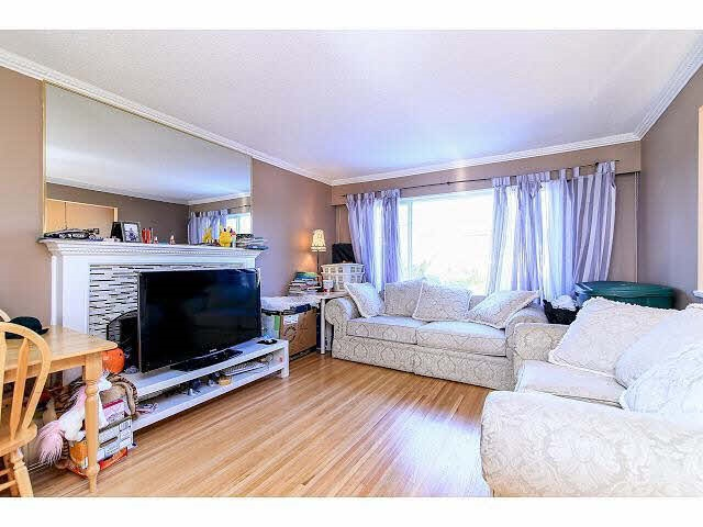 Detached at 14496 NORTH BLUFF ROAD, South Surrey White Rock, British Columbia. Image 2