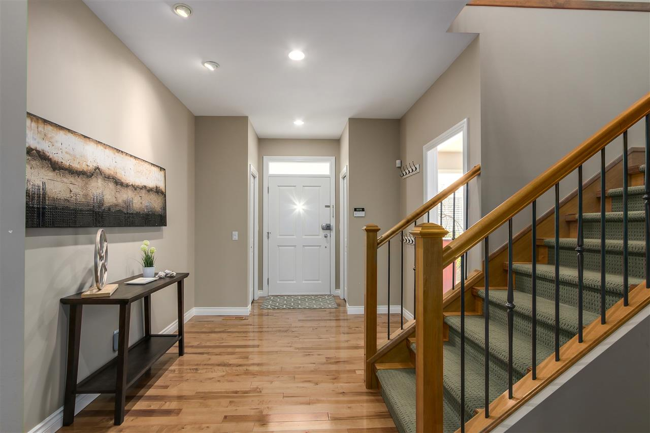 Detached at 13157 14A AVENUE, South Surrey White Rock, British Columbia. Image 8
