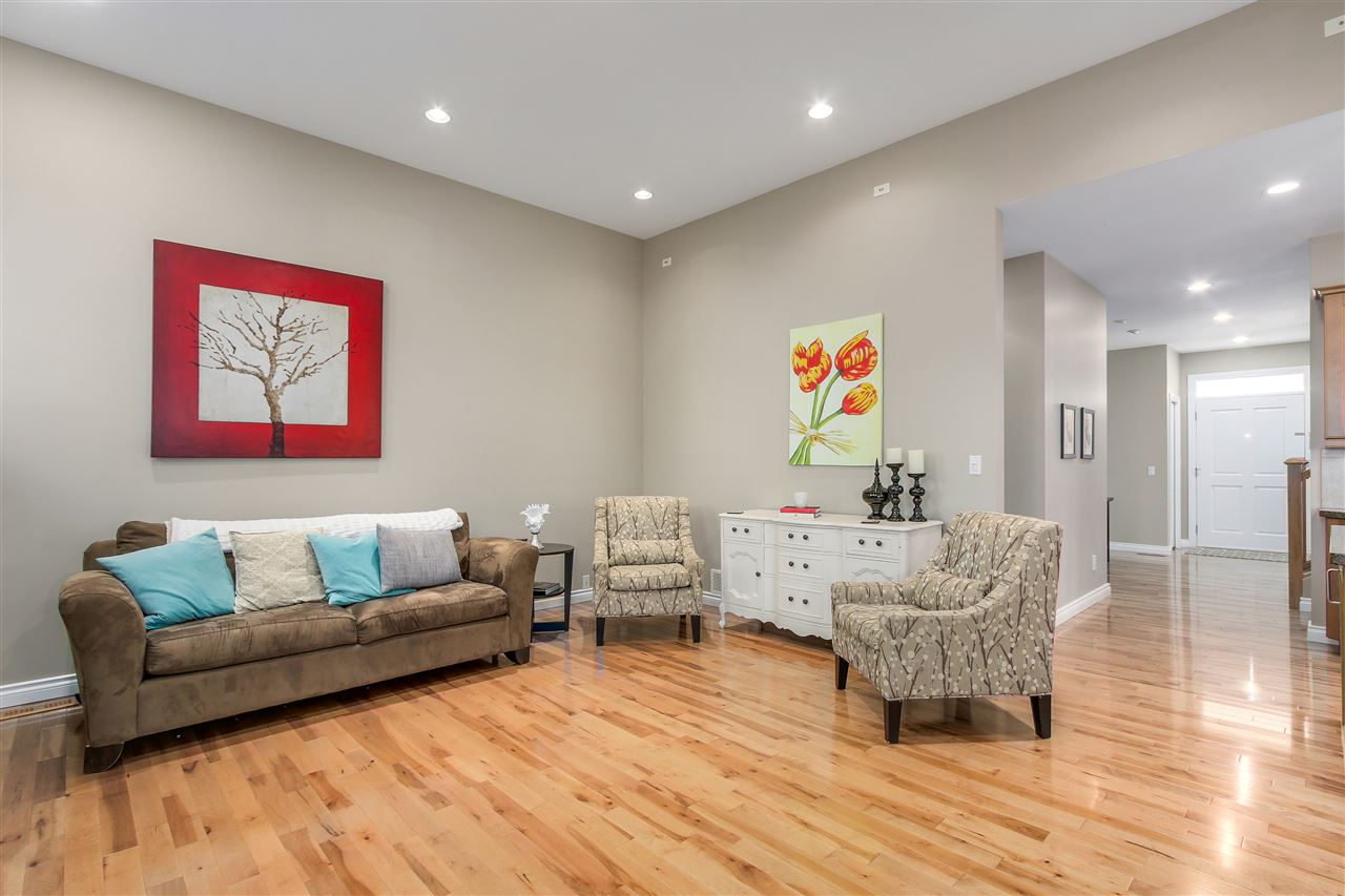 Detached at 13157 14A AVENUE, South Surrey White Rock, British Columbia. Image 9