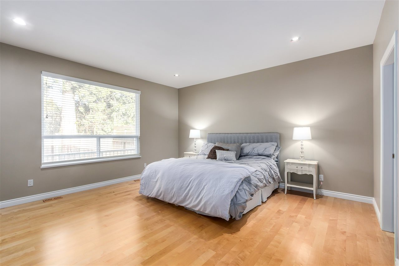Detached at 13157 14A AVENUE, South Surrey White Rock, British Columbia. Image 12