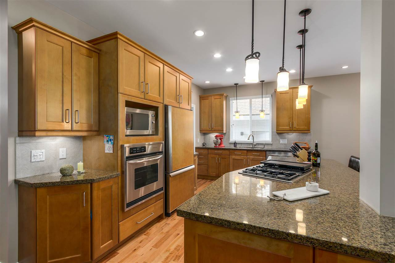 Detached at 13157 14A AVENUE, South Surrey White Rock, British Columbia. Image 13