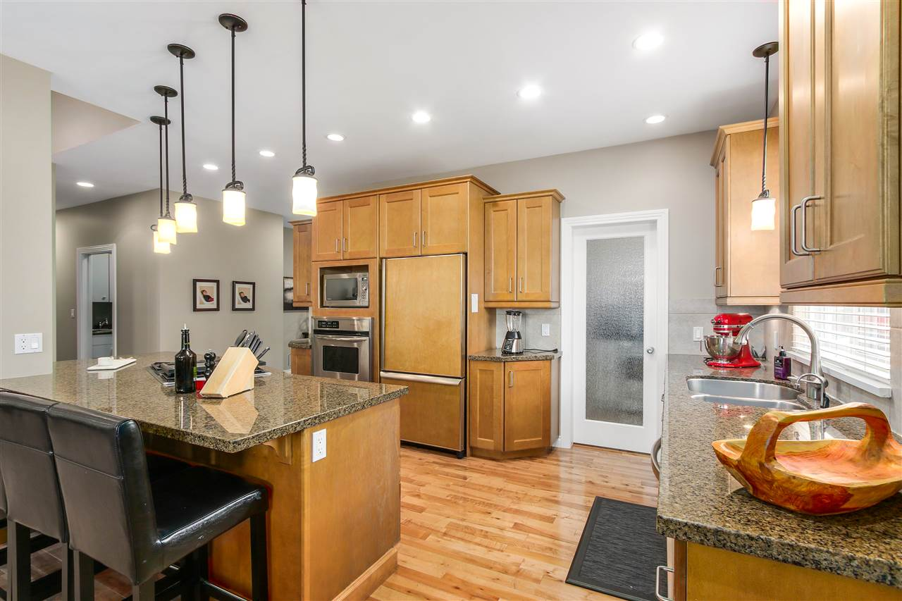 Detached at 13157 14A AVENUE, South Surrey White Rock, British Columbia. Image 14