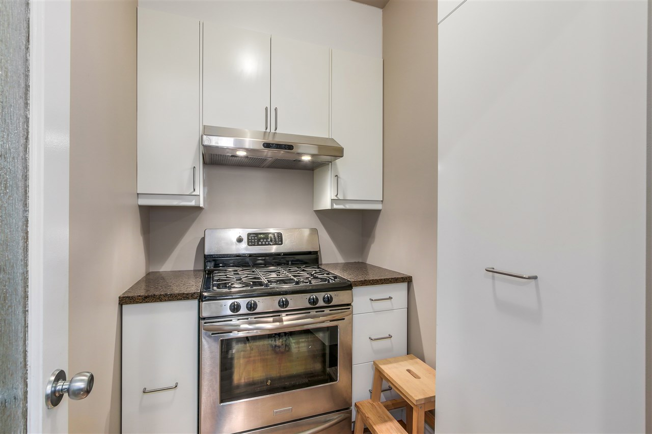 Detached at 13157 14A AVENUE, South Surrey White Rock, British Columbia. Image 17