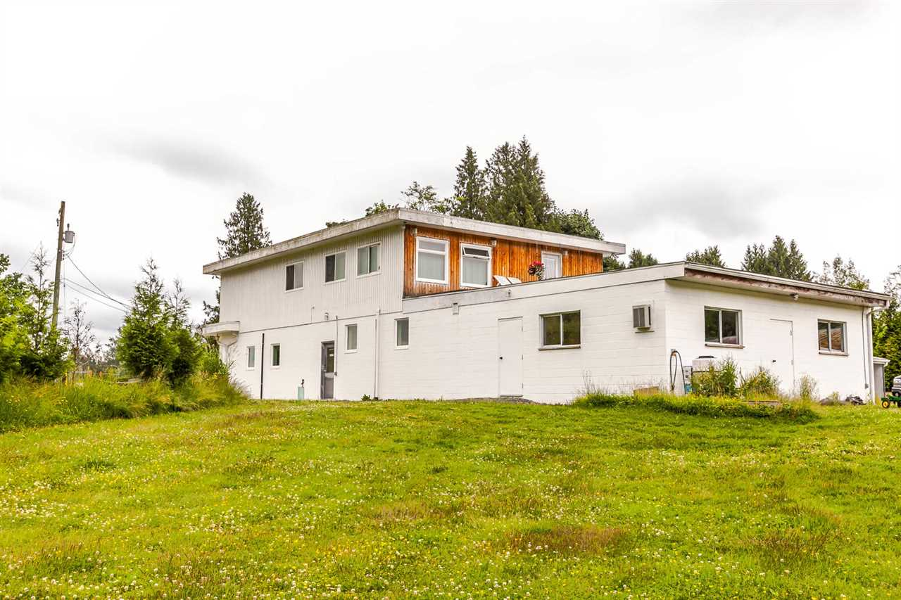 Detached at 26306 56 AVENUE, Langley, British Columbia. Image 5