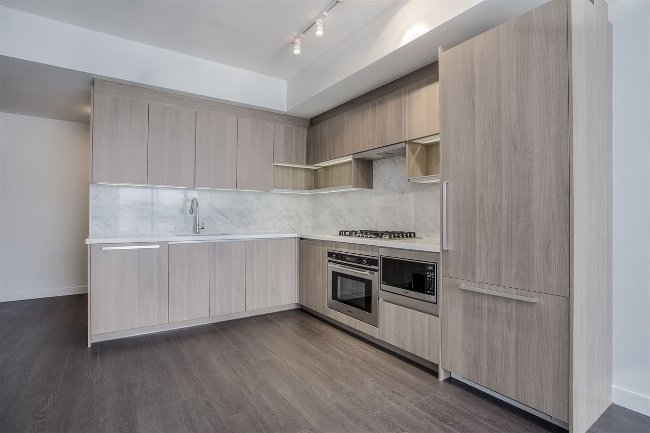 Condo Apartment at 4607 13750 100 AVENUE, Unit 4607, North Surrey, British Columbia. Image 1