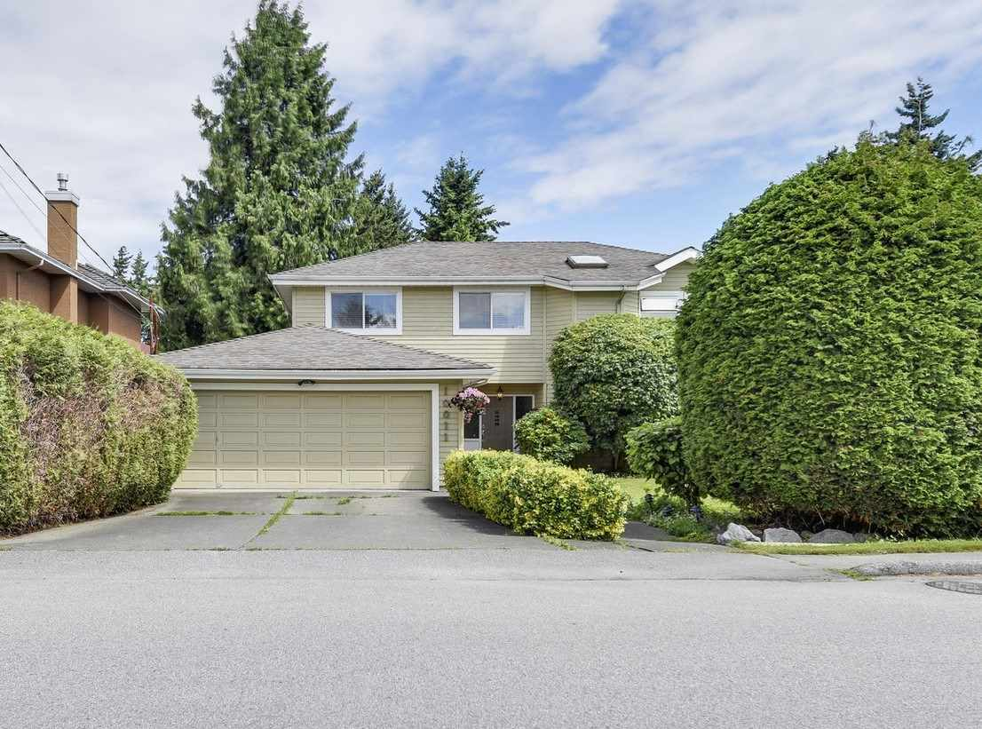 Detached at 10011 GILMORE CRESCENT, Richmond, British Columbia. Image 1