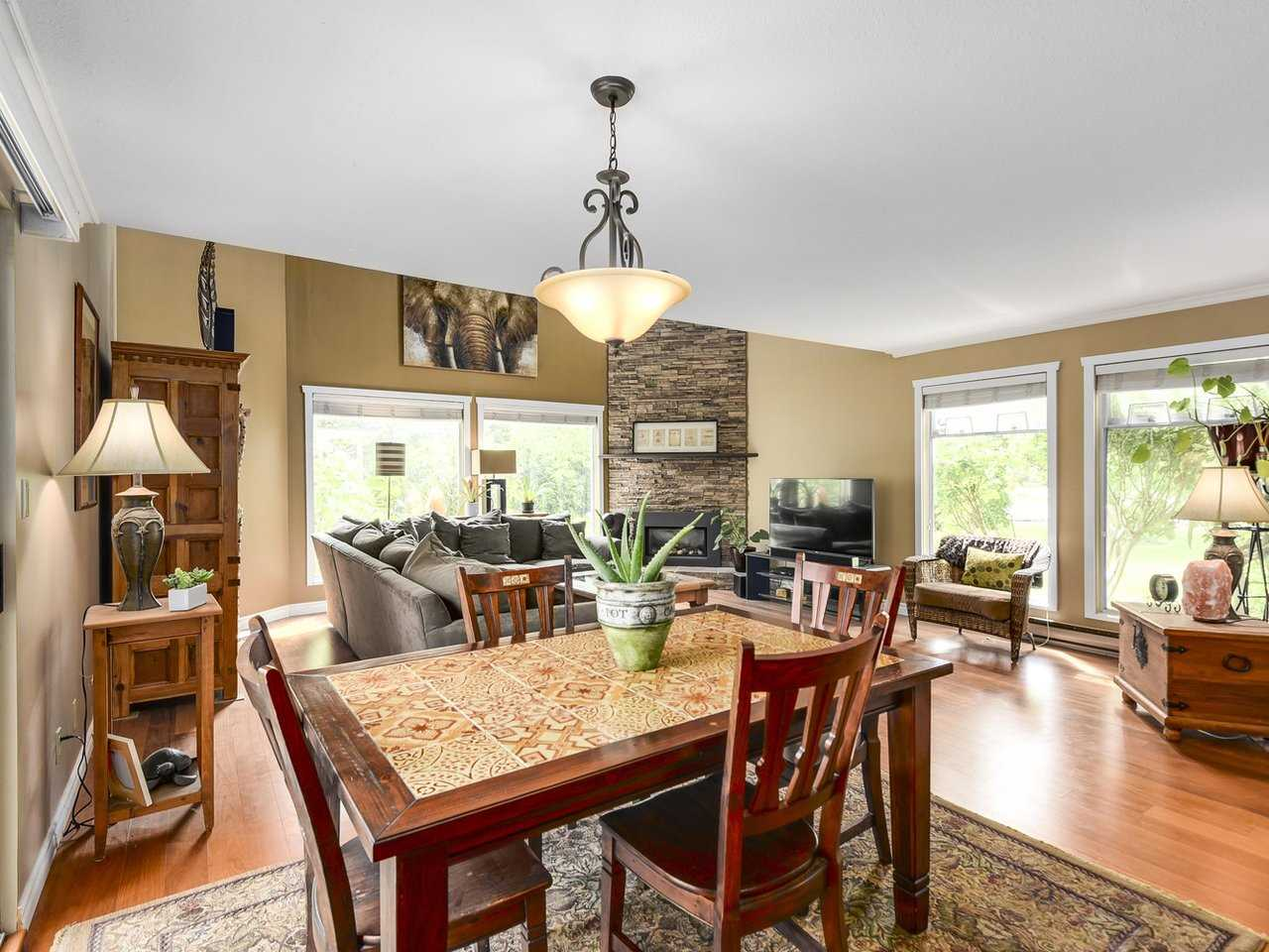 Detached at 10011 GILMORE CRESCENT, Richmond, British Columbia. Image 3