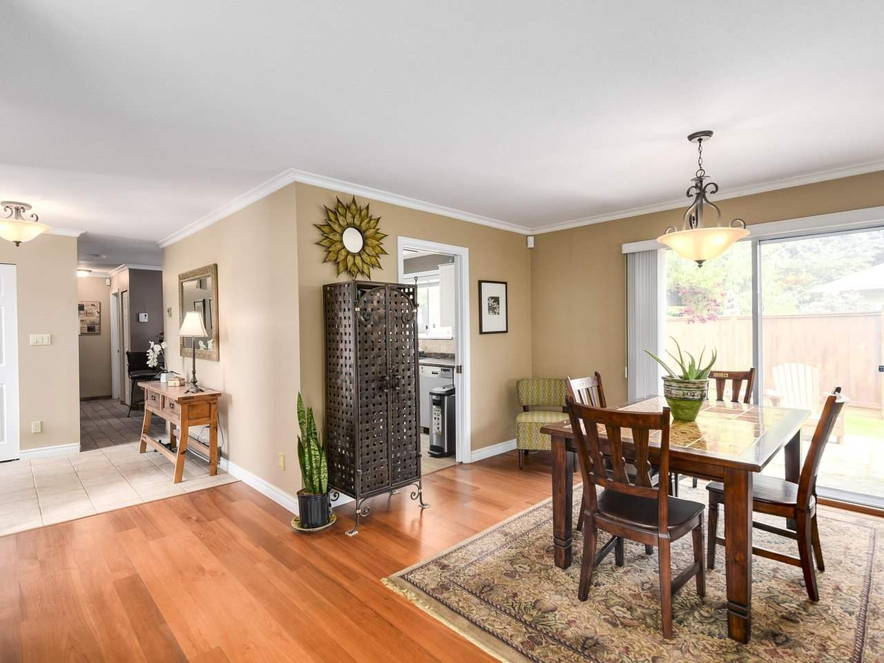Detached at 10011 GILMORE CRESCENT, Richmond, British Columbia. Image 4