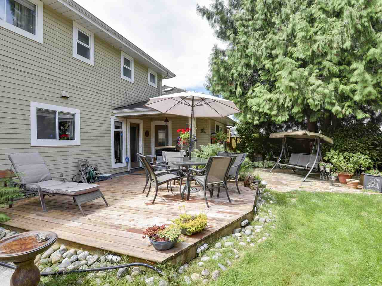Detached at 10011 GILMORE CRESCENT, Richmond, British Columbia. Image 15