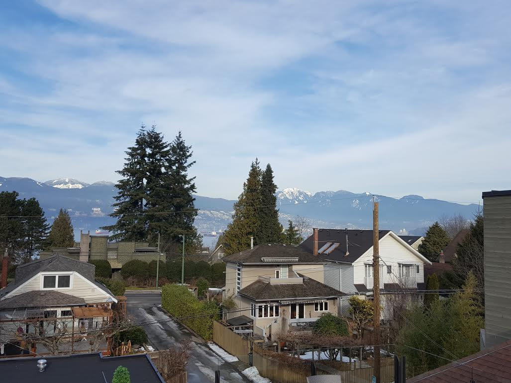 Detached at 4473 W 5TH AVENUE, Vancouver West, British Columbia. Image 2