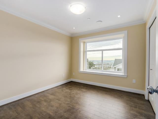 Half-duplex at 677 E 59TH AVENUE, Vancouver East, British Columbia. Image 7