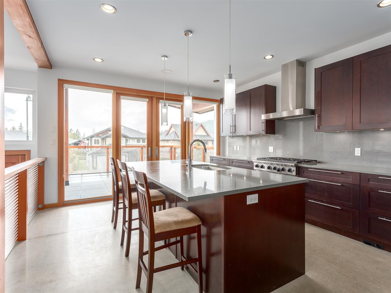 Detached at 1056 JAY CRESCENT, Squamish, British Columbia. Image 3