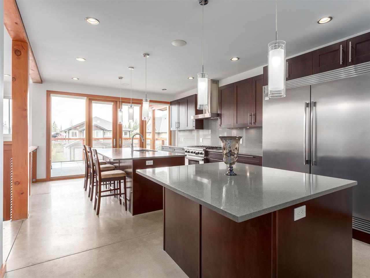 Detached at 1056 JAY CRESCENT, Squamish, British Columbia. Image 4