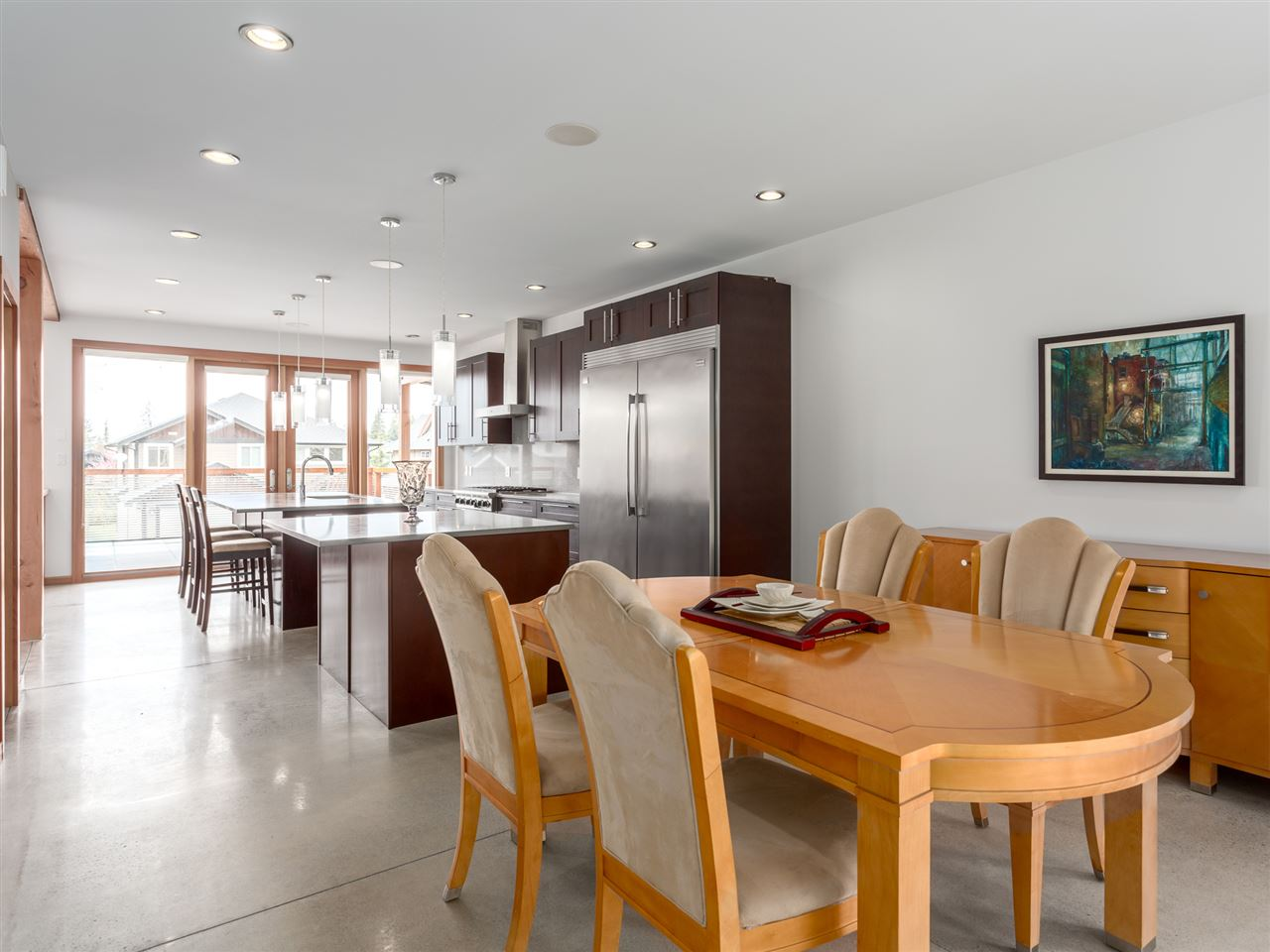 Detached at 1056 JAY CRESCENT, Squamish, British Columbia. Image 6