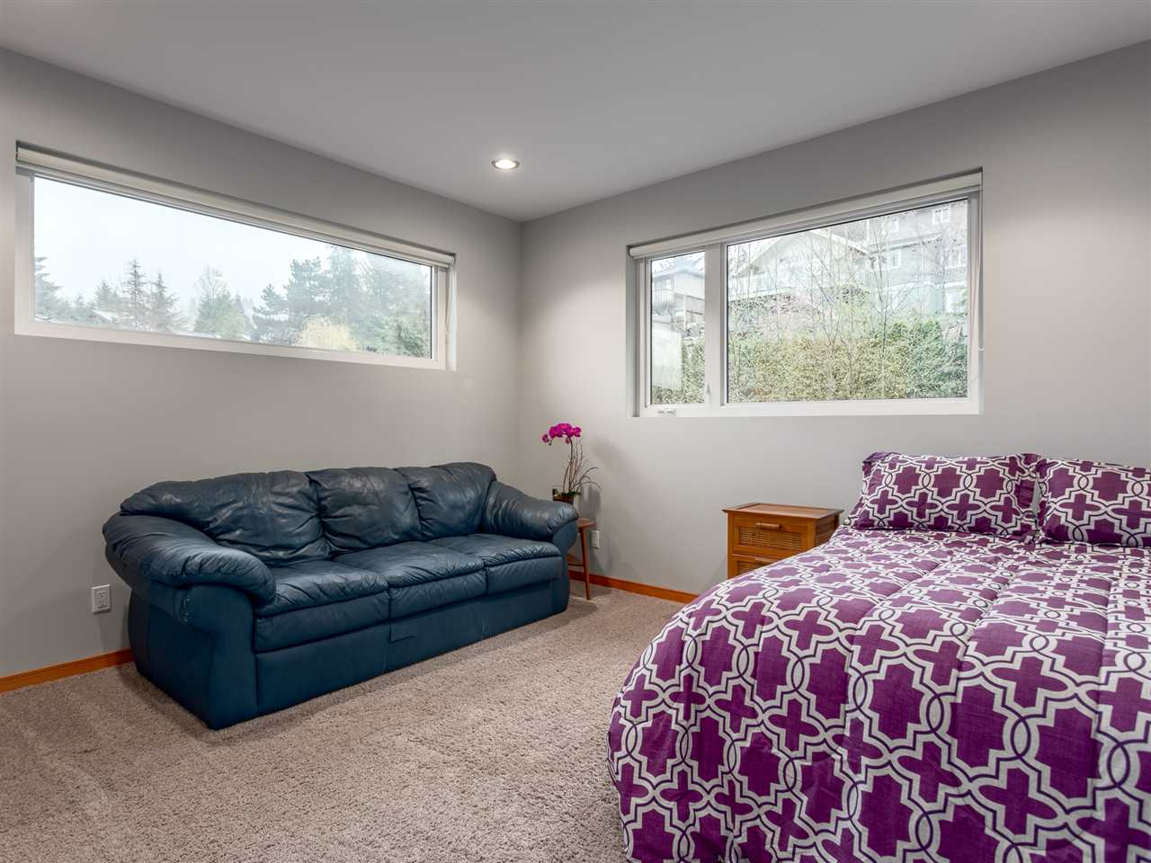 Detached at 1056 JAY CRESCENT, Squamish, British Columbia. Image 12
