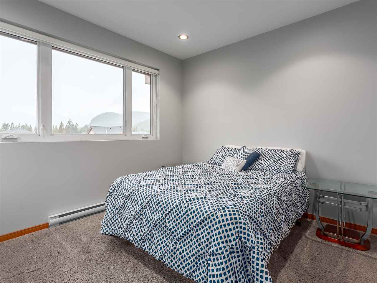 Detached at 1056 JAY CRESCENT, Squamish, British Columbia. Image 14
