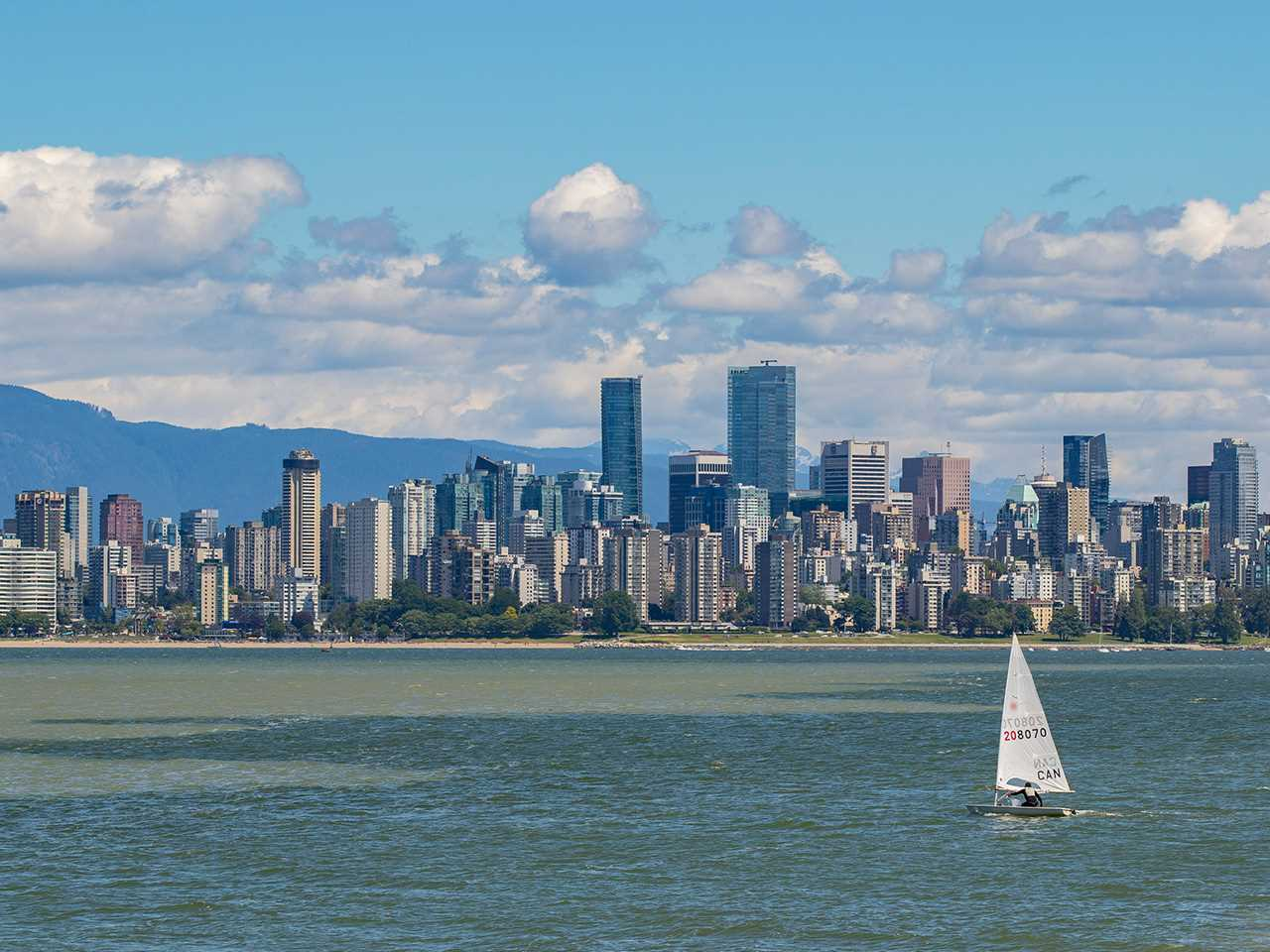 Detached at 4422 NW MARINE DRIVE, Vancouver West, British Columbia. Image 19