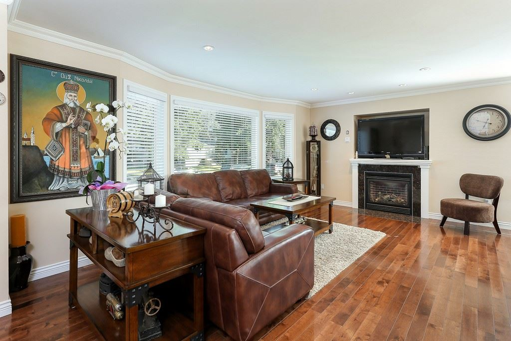Detached at 8537 KARRMAN AVENUE, Burnaby East, British Columbia. Image 2