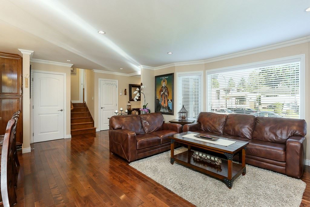 Detached at 8537 KARRMAN AVENUE, Burnaby East, British Columbia. Image 3