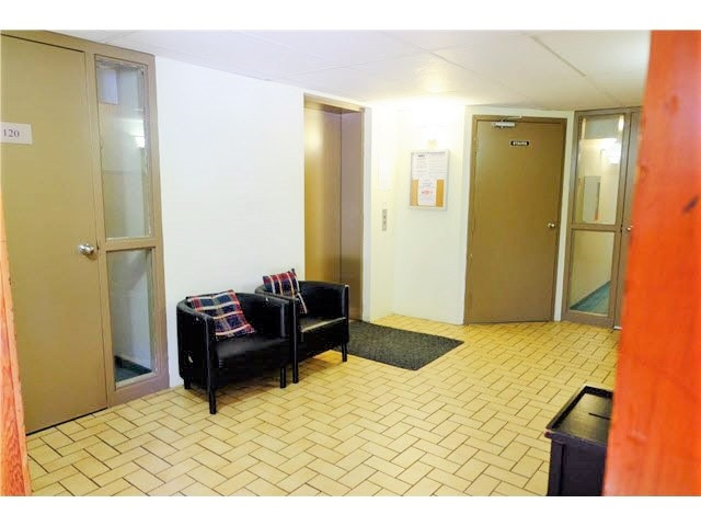 Condo Apartment at 208 1195 PIPELINE ROAD, Unit 208, Coquitlam, British Columbia. Image 10