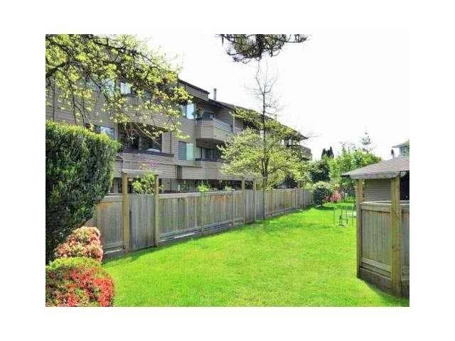 Condo Apartment at 208 1195 PIPELINE ROAD, Unit 208, Coquitlam, British Columbia. Image 11