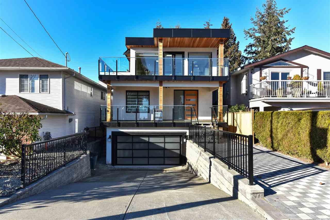 Detached at 923 MAPLE STREET, South Surrey White Rock, British Columbia. Image 3