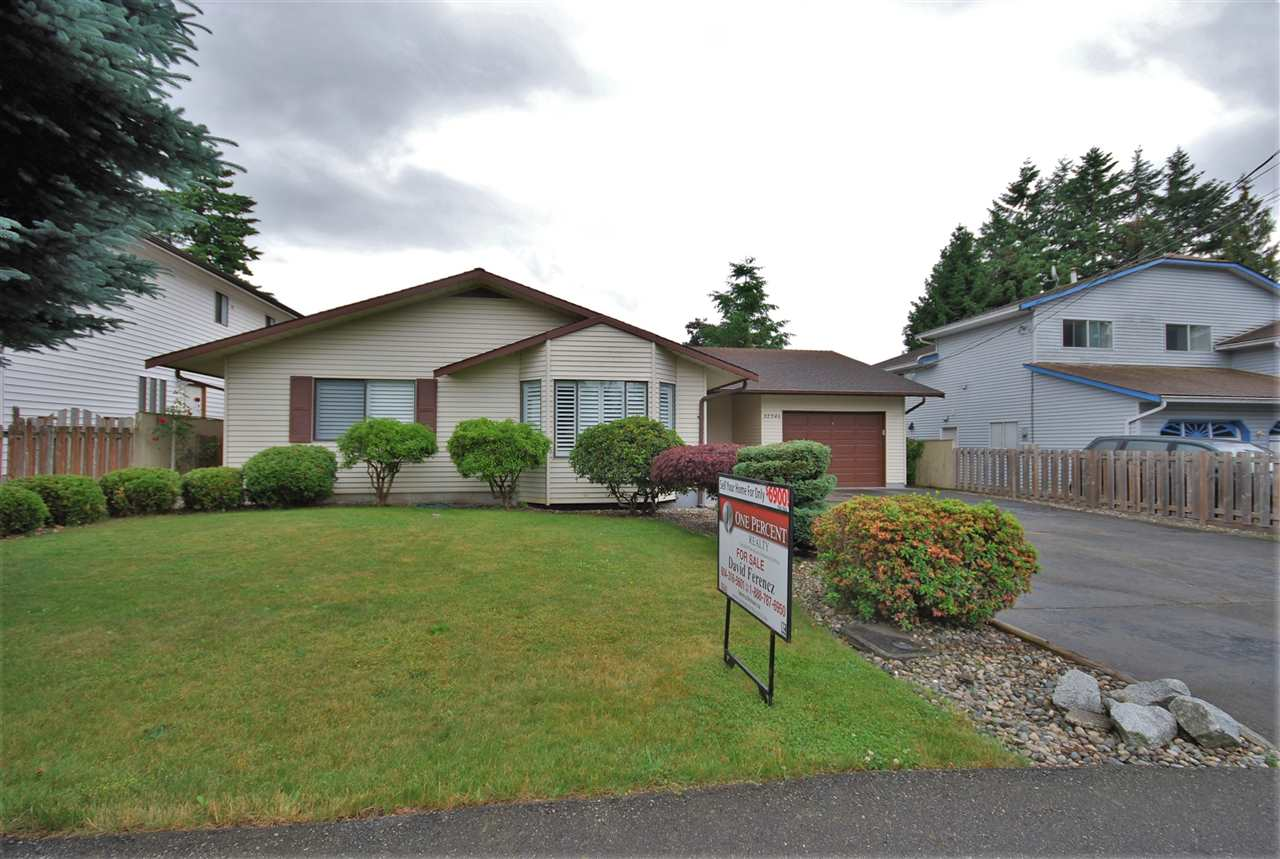 Detached at 32346 EMERALD AVENUE, Abbotsford, British Columbia. Image 1