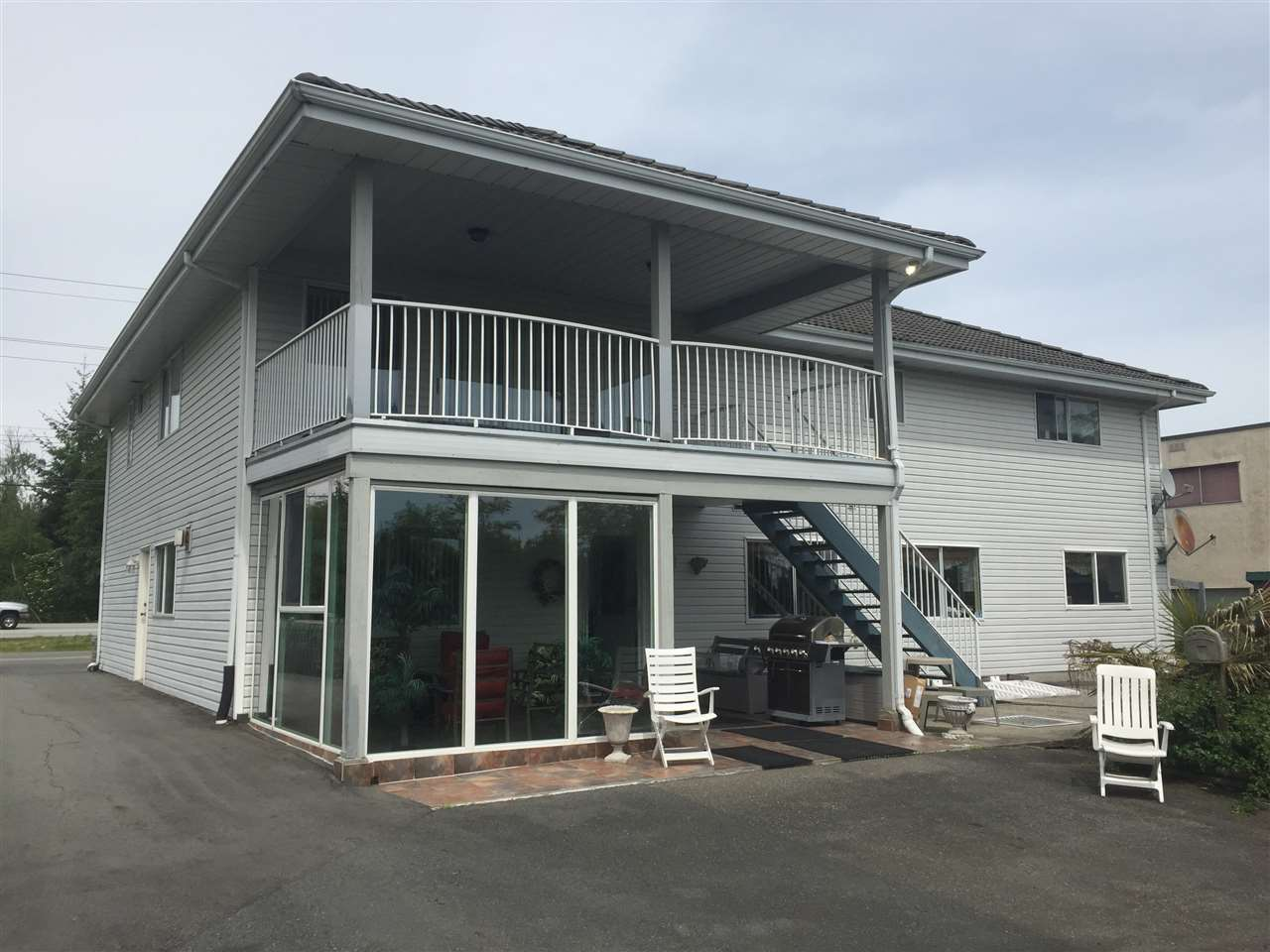 Detached at 12540 WESTMINSTER HIGHWAY, Richmond, British Columbia. Image 3