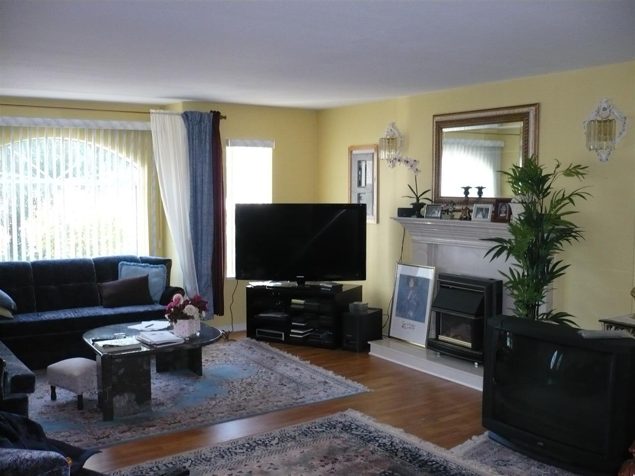 Detached at 12540 WESTMINSTER HIGHWAY, Richmond, British Columbia. Image 10