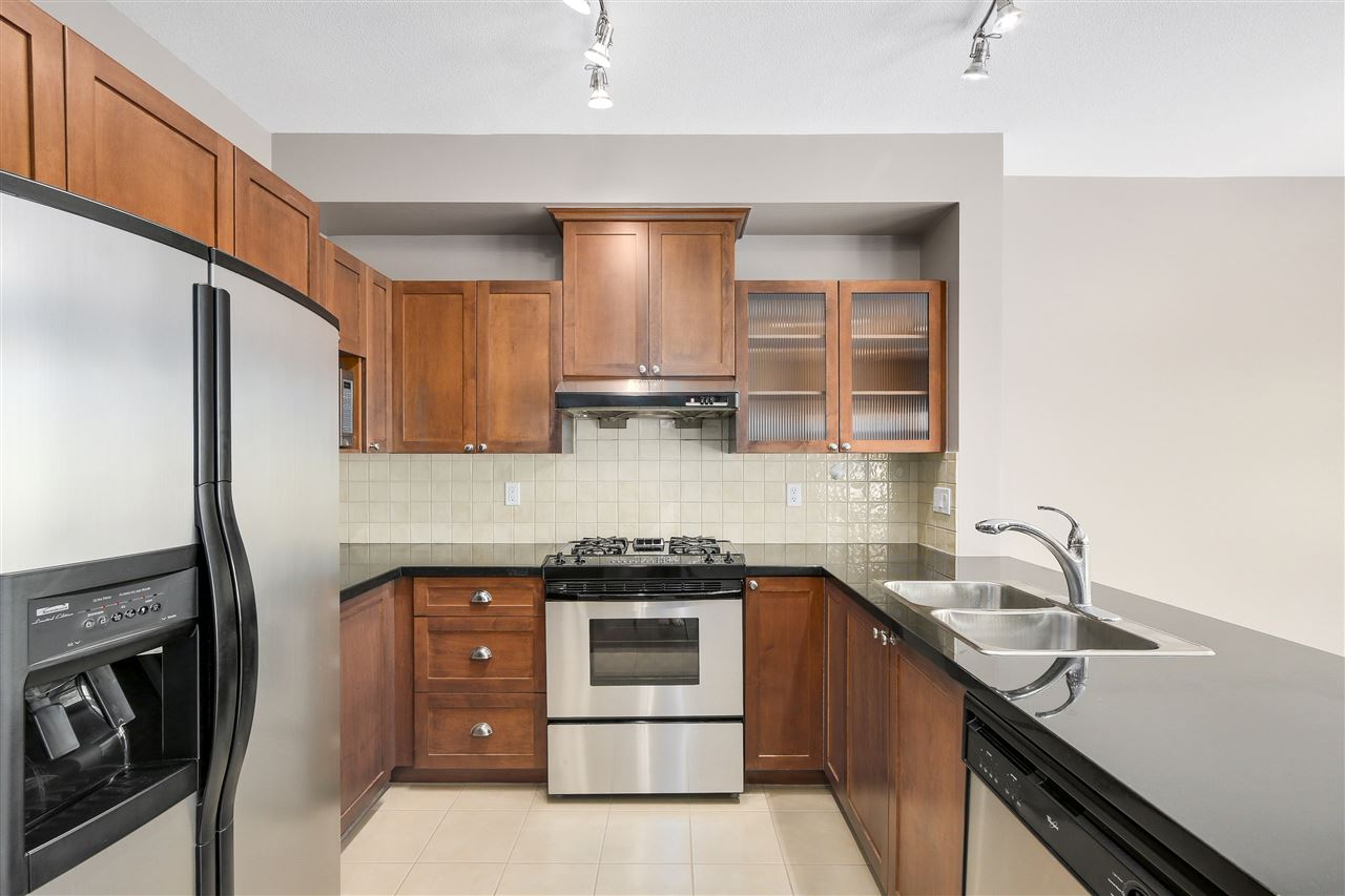 Townhouse at 7483 LAUREL STREET, Vancouver West, British Columbia. Image 6