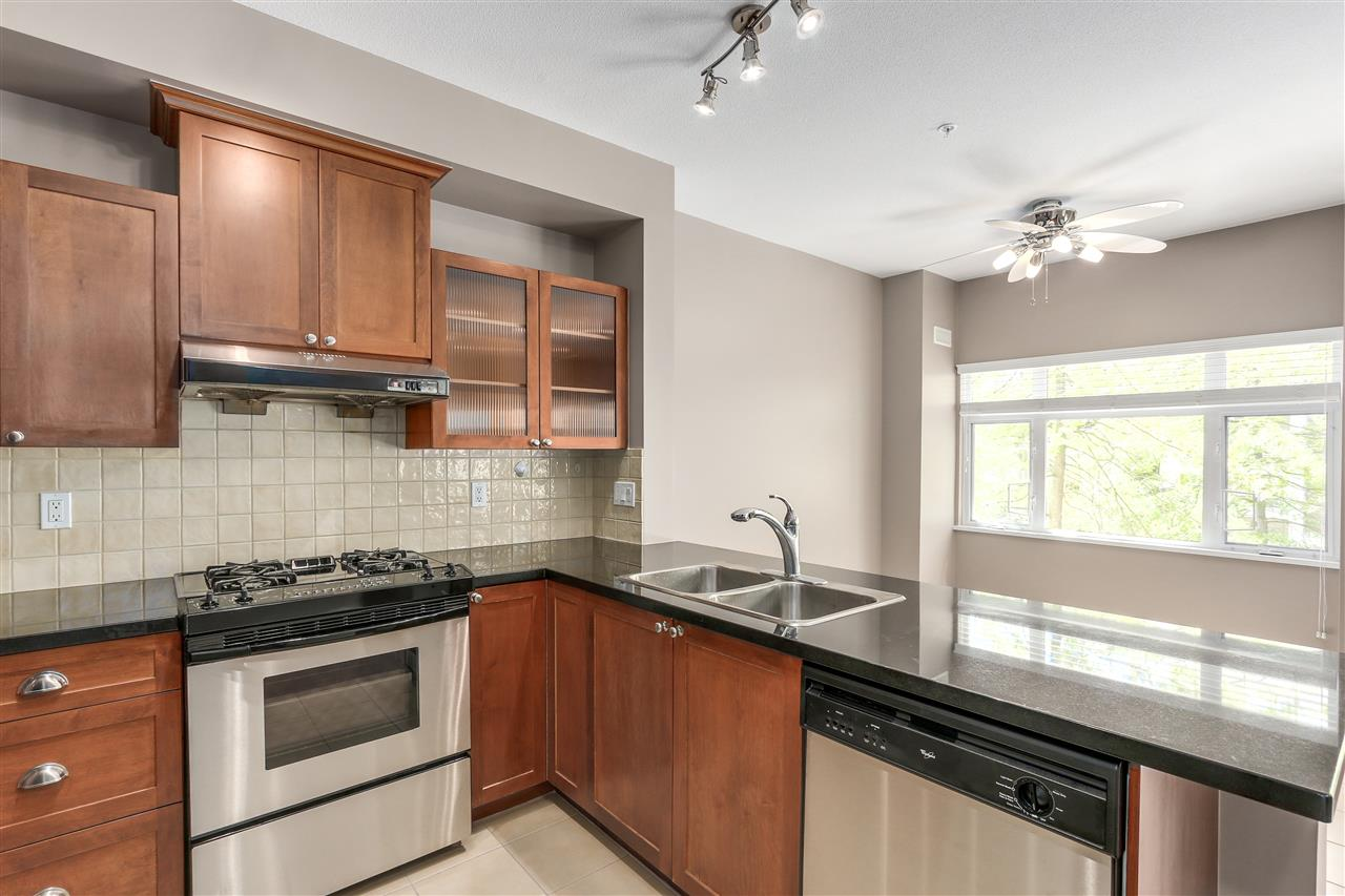 Townhouse at 7483 LAUREL STREET, Vancouver West, British Columbia. Image 7
