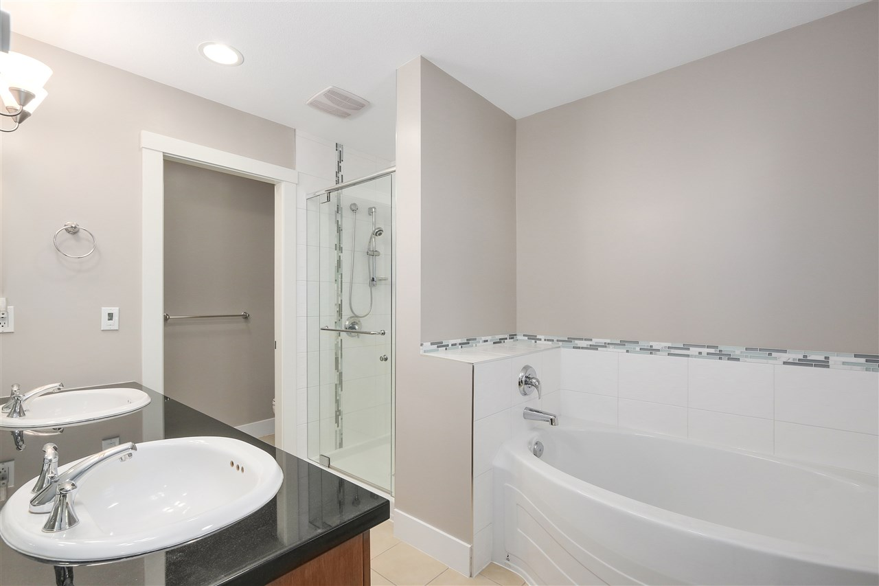 Townhouse at 7483 LAUREL STREET, Vancouver West, British Columbia. Image 11