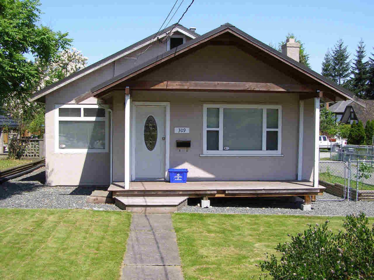 Detached at 309 HOLMES STREET, New Westminster, British Columbia. Image 1