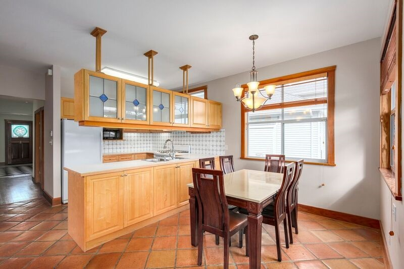 Detached at 6806 LINDEN AVENUE, Burnaby South, British Columbia. Image 6