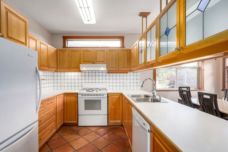 Detached at 6806 LINDEN AVENUE, Burnaby South, British Columbia. Image 8