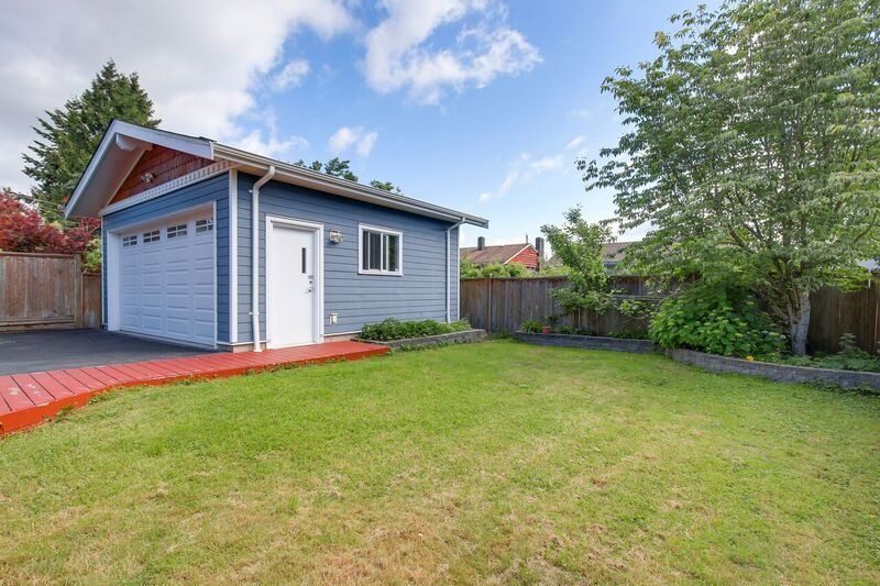Detached at 6806 LINDEN AVENUE, Burnaby South, British Columbia. Image 19