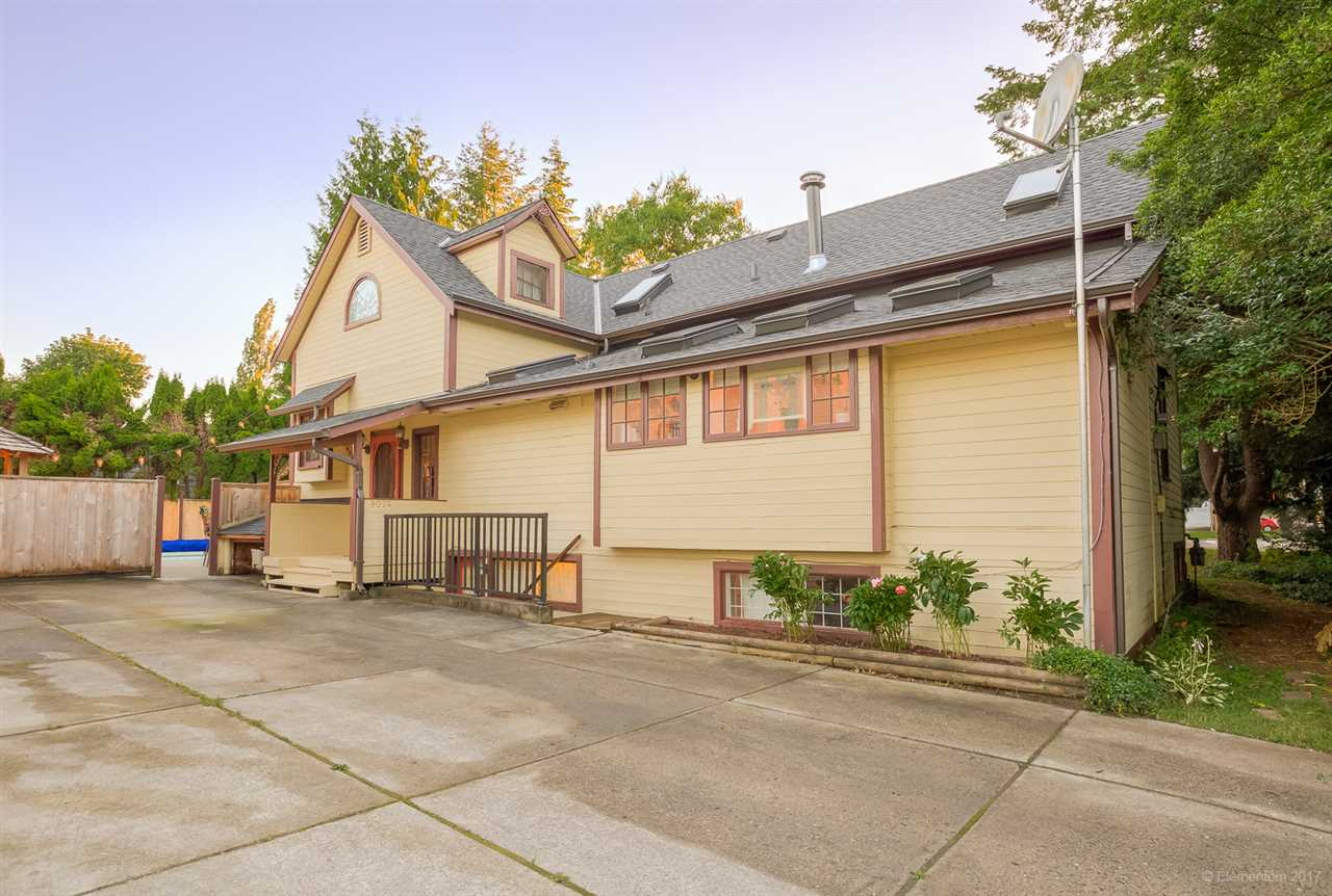 Detached at 9024 GLOVER ROAD, Langley, British Columbia. Image 20
