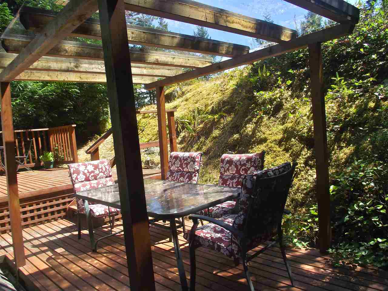 Detached at 9901 WESCAN ROAD, Sunshine Coast, British Columbia. Image 9