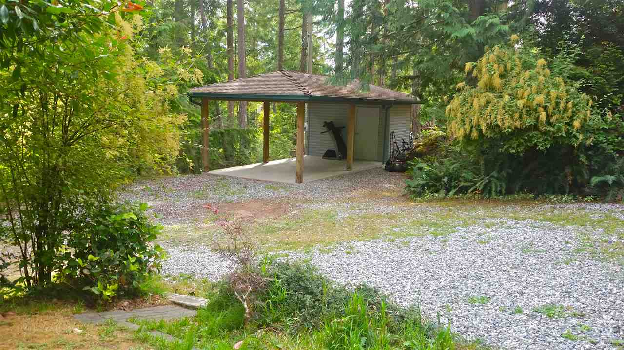Detached at 9901 WESCAN ROAD, Sunshine Coast, British Columbia. Image 12