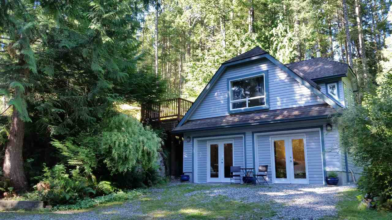 Detached at 9901 WESCAN ROAD, Sunshine Coast, British Columbia. Image 13