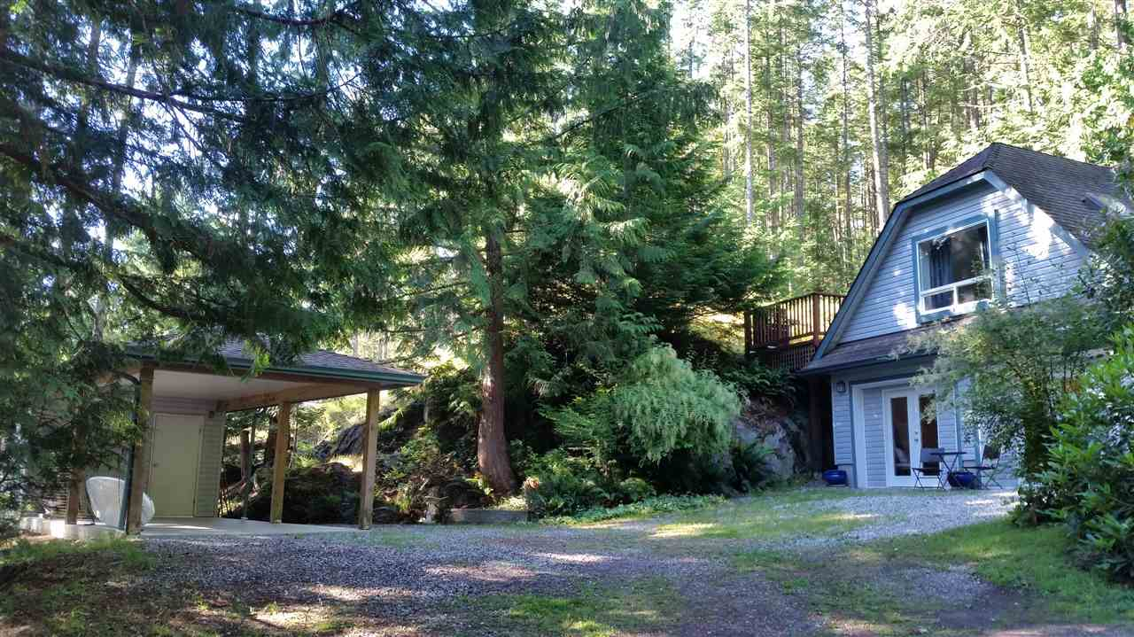 Detached at 9901 WESCAN ROAD, Sunshine Coast, British Columbia. Image 14