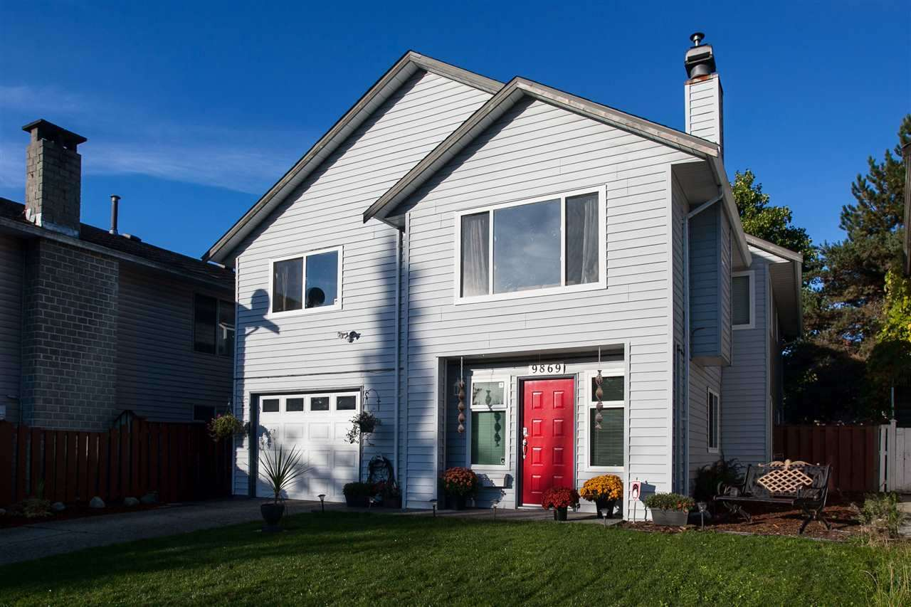 Detached at 9869 149 STREET, North Surrey, British Columbia. Image 1