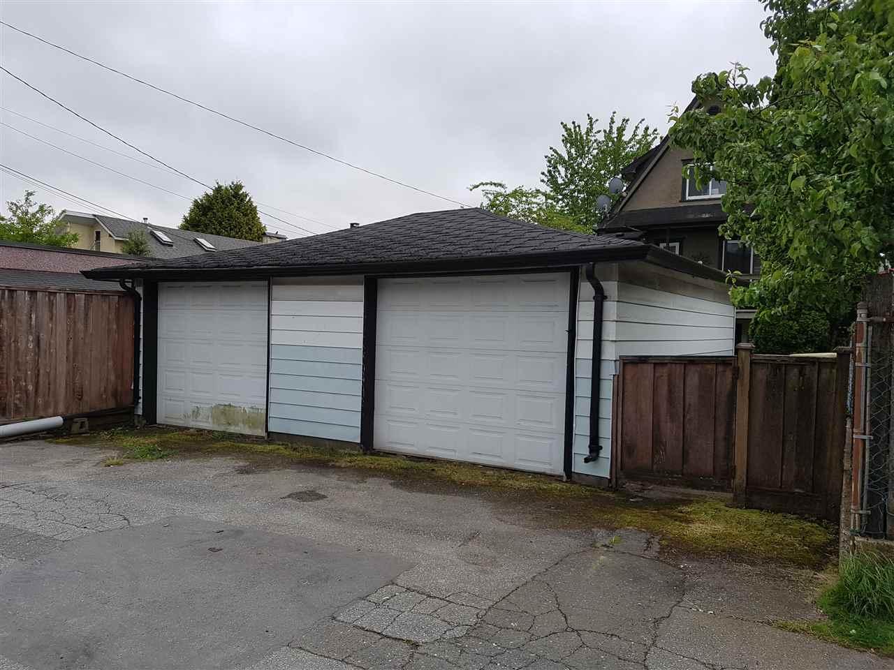 Detached at 3951 PANDORA STREET, Burnaby North, British Columbia. Image 2